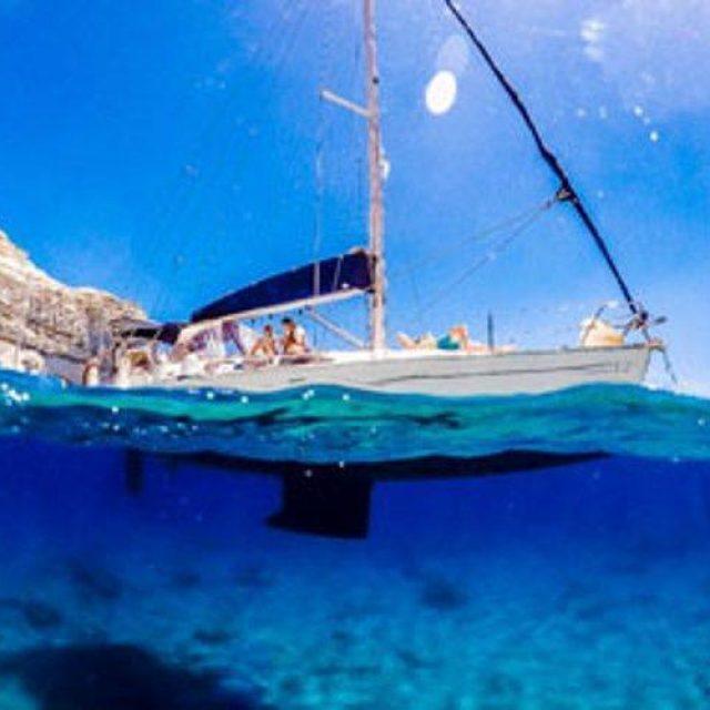 Daily Cruises | Aquatta Yachts | Milos-Cyclades